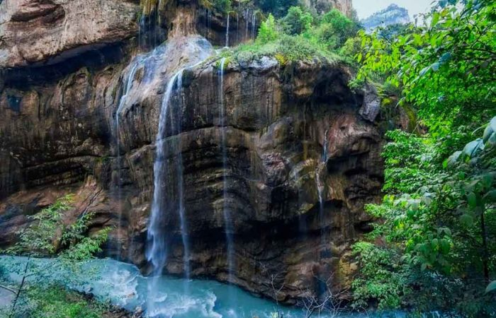 """Экскурсия """"Верхняя Балкария"""". Чегемские водопады."""