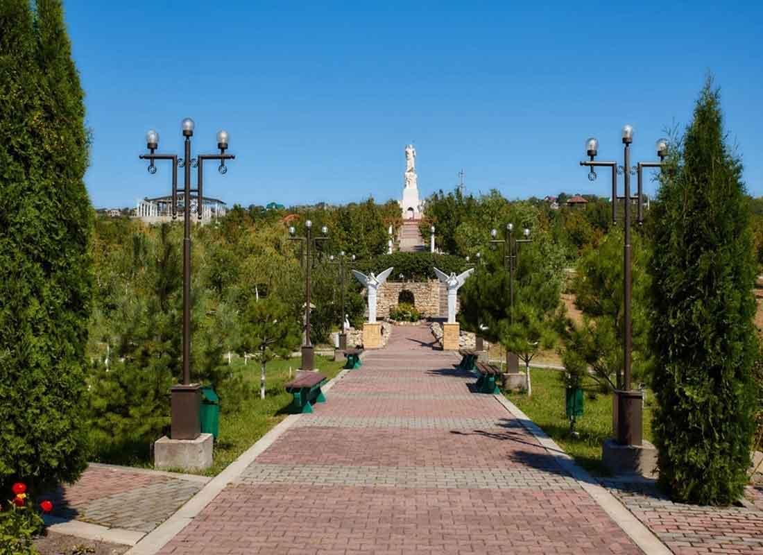 Петропавловский храмовый комплекс Христа Воскресшего.