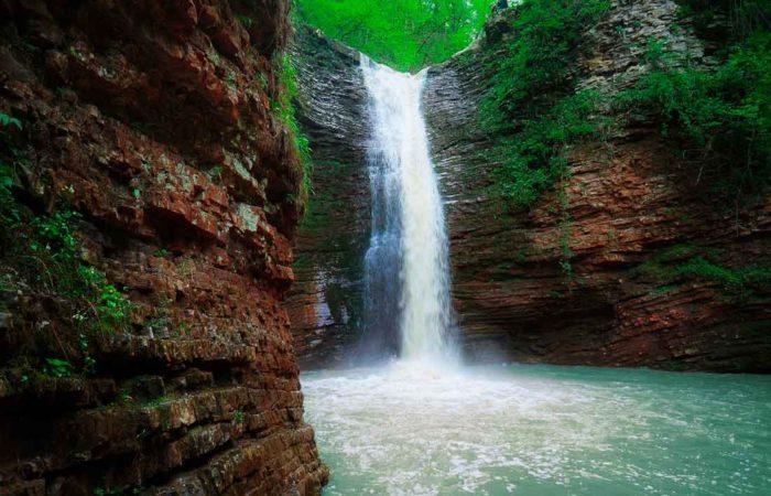 Водопады р. Руфабго, Лаго-Наки.
