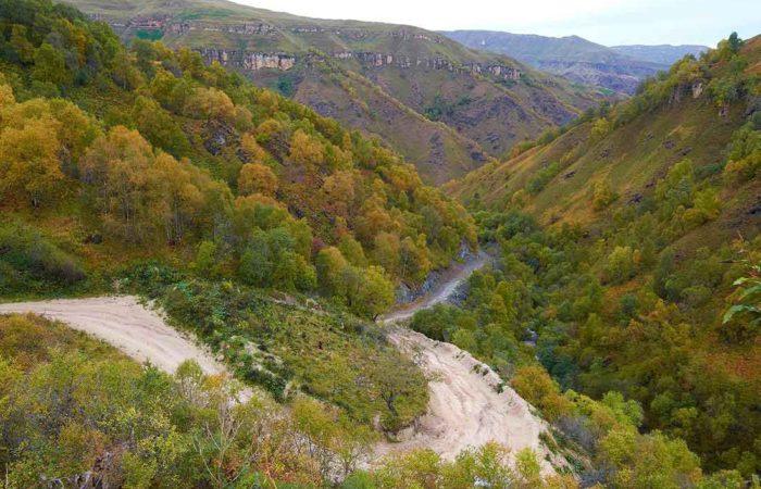 Дорога на Царские водопады.