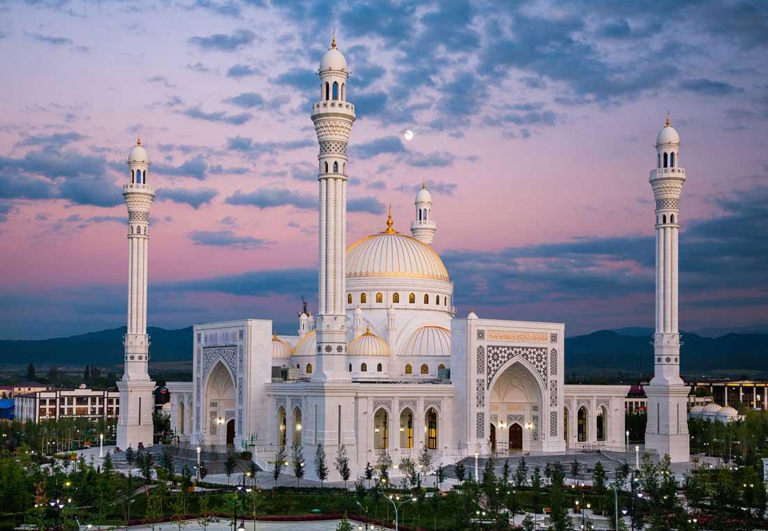 """Мечеть """"Гордость мусульман"""", г. Шали."""