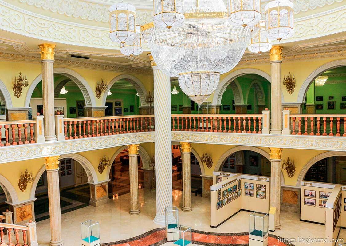 Музей имени Ахмада-Хаджи Кадырова (внутри), г. Грозный.