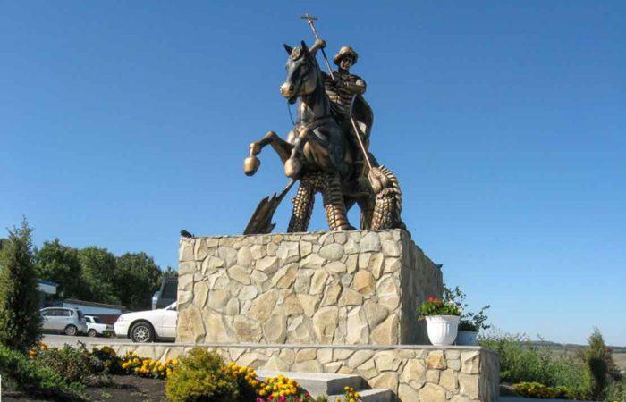 Памятник Святому Георгию-Победоносцу, Свято-Георгиевский женский монастырь.