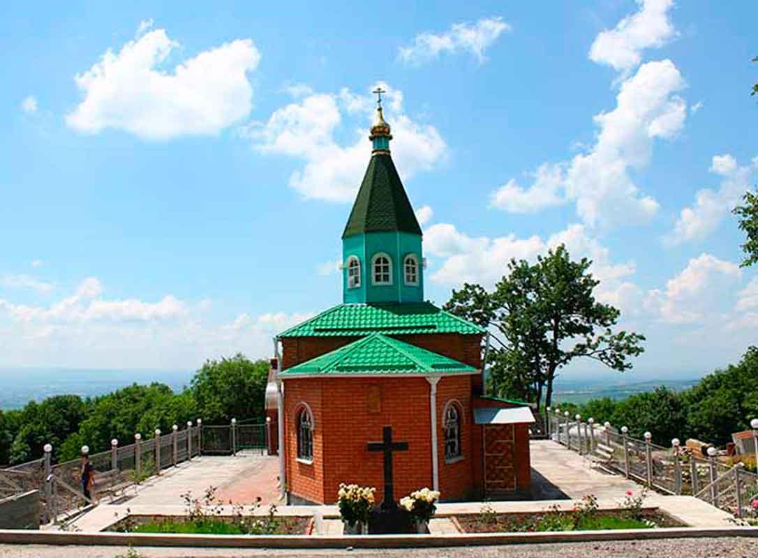Храм в честь великомученика Георгия Победоносца, Успенский Второ-Афонский Бештаугорский мужской монастырь.