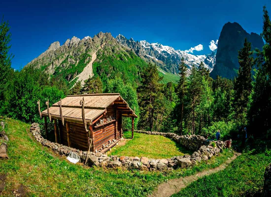 Святилище Реком в Цейском ущелье.