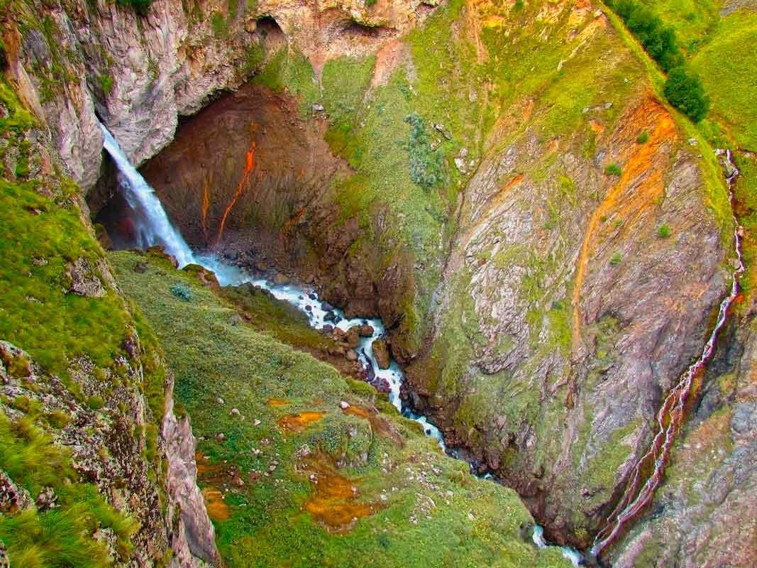 Водопад Эмир, Северное Приэльбрусье.