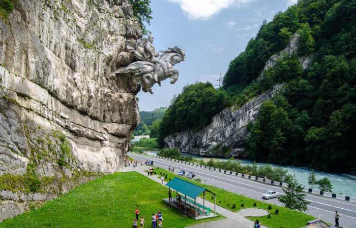 Памятник Святому Георгию Победоносцу, Алагирское ущелье.