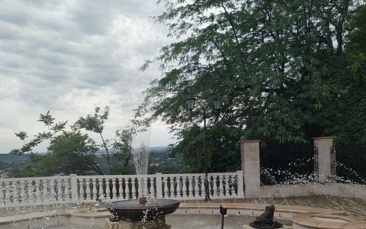 Новый фонтан в парке Цветник