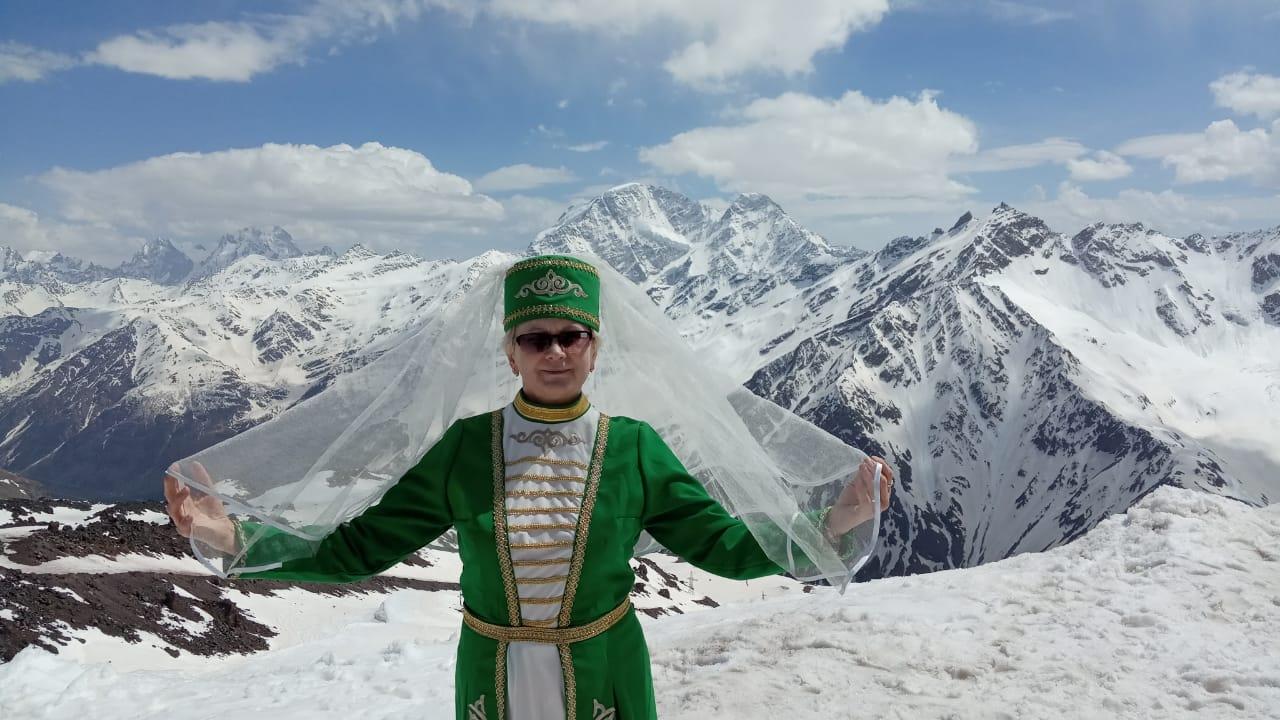 Национальный женский костюм Кавказа